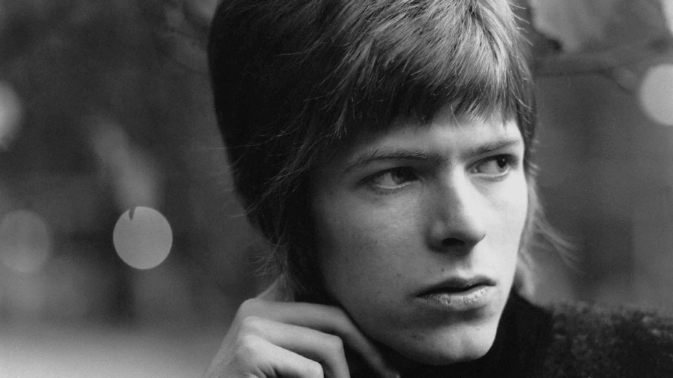 Young-Davy-david-bowie-34011387-1920-1080.jpg