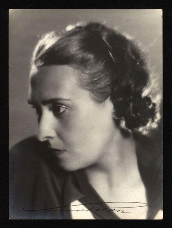 Victoria Ocampo. Fotografía por Schonfeld, 1930