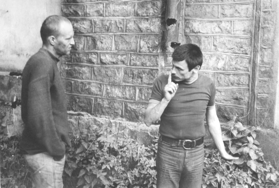 Tarkovski, a la derecha, en el set de Stalker (1989)