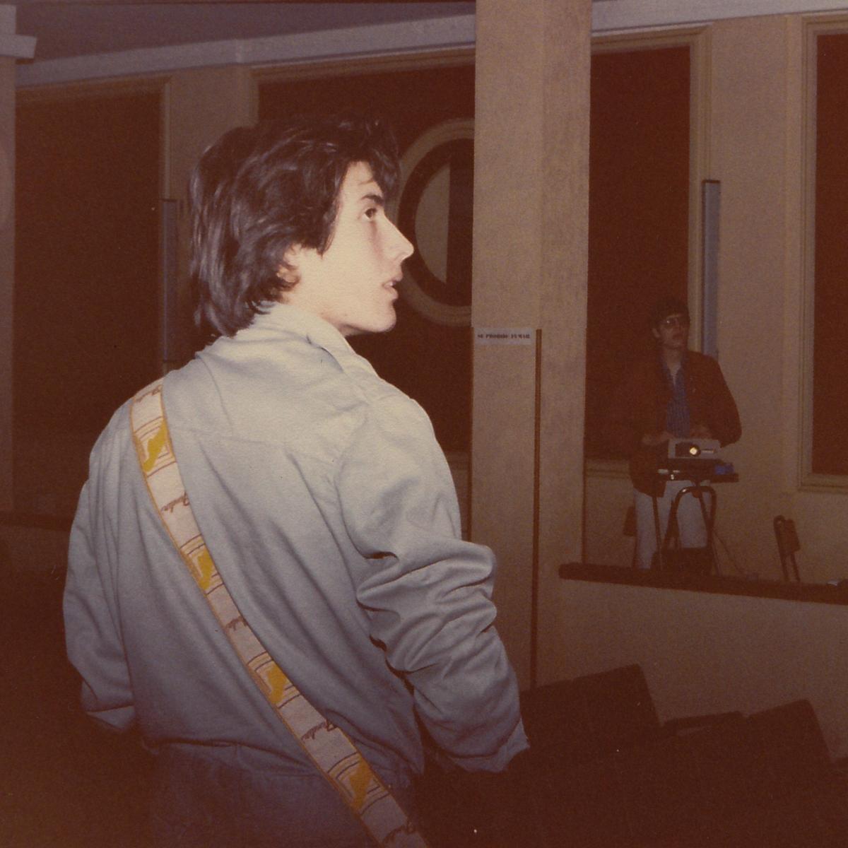 Nacho Goberna - Agrimensor K - 1982 - Concierto en Salón de actos de Jesuitas - Donostia (2)