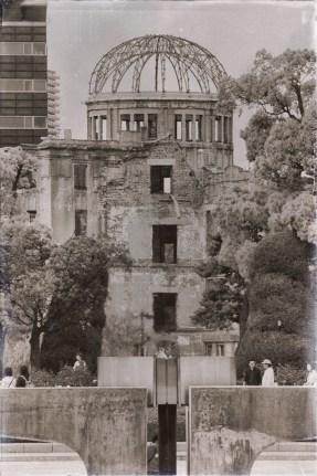 Hiroshima. Restos del Palacio de Congresos. En todo el epicentro de la explosión atómica, fue el único edificio que no se convirtió en polvo. Fotografía por Nacho Goberna © 2004