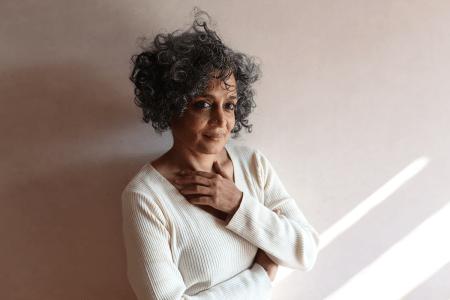 Arundhati Roy. Fotografía por Mayank Austen Soofi, 2017