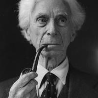 Bertrand Russell, la llama en la oscuridad