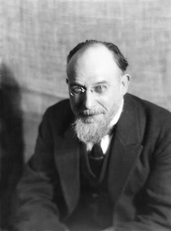Erik Satie por Man Ray