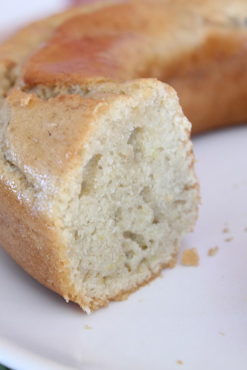 Cake au citron vegan vu tranché, le cul de poule