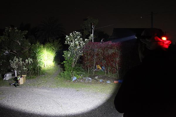 単4電池対応型 ヘッドライト点灯写真