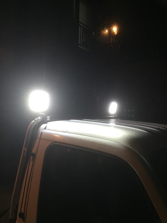 軽トラ作業灯・夜間点灯写真