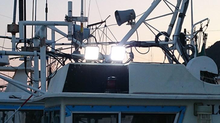 LED作業灯 漁船点灯写真