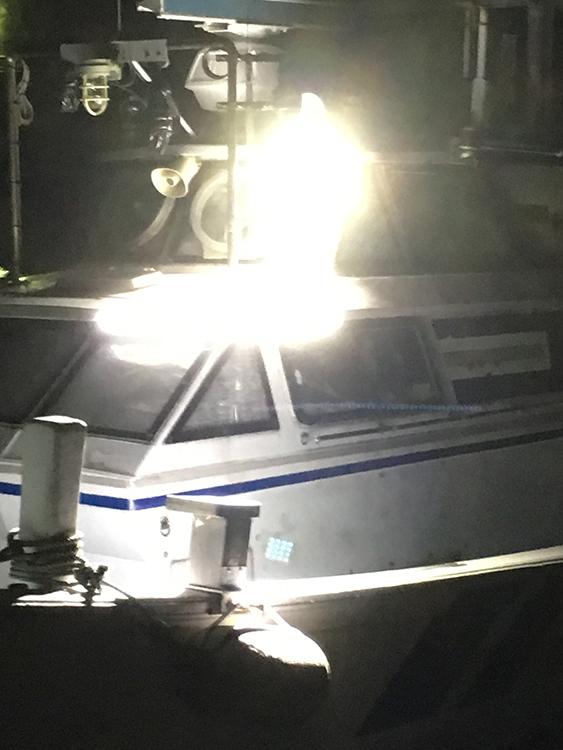 船舶・作業灯ステー活用事例