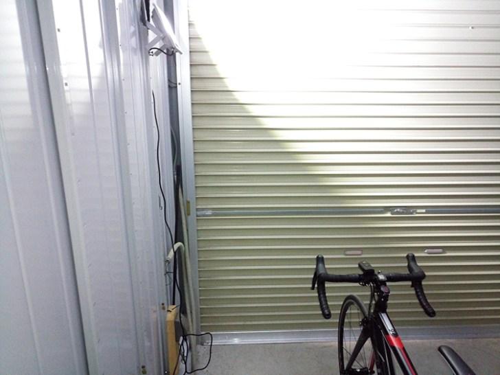 自転車ガレージ・20w投光器利用写真
