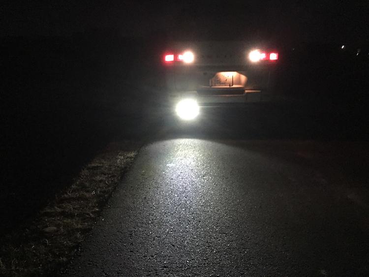 デリカバックライト・18wLED作業灯・点灯写真
