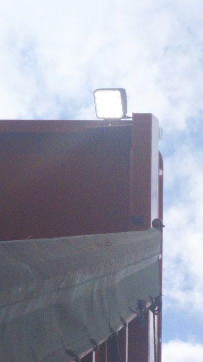 ダンプシートキャリア・作業灯設置写真
