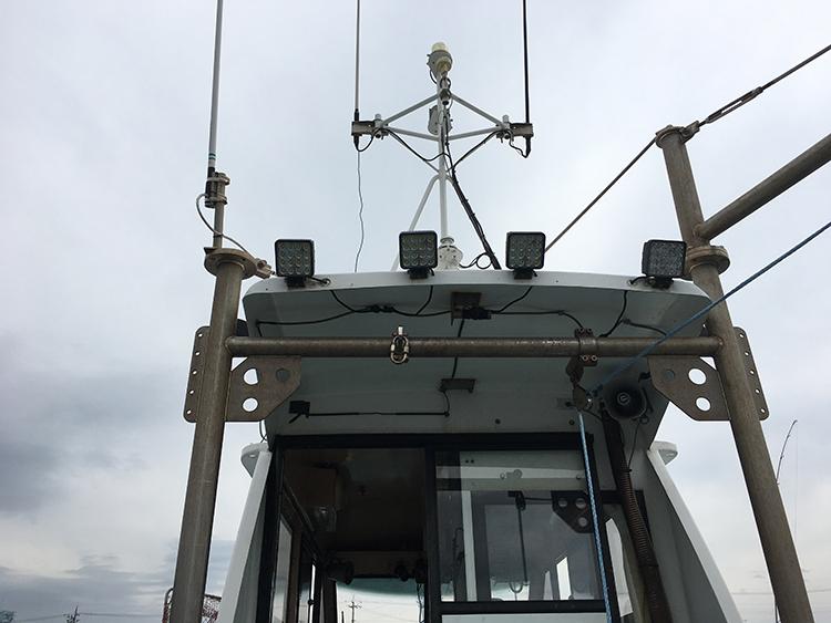 プレジャーボート・後方作業灯設置写真