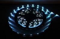 RGB LED Strip 5050 5 Meter mit 300 LEDs - Fernbedienung ...