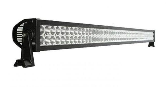 """Bara proiector offroad LED Auto 300W/12V-24V, 21.980 Lumeni, 52""""/133 cm, Combo Beam 8/90 Gradede calitate superioara special pentru vanatoare si autoturisme 4×4."""