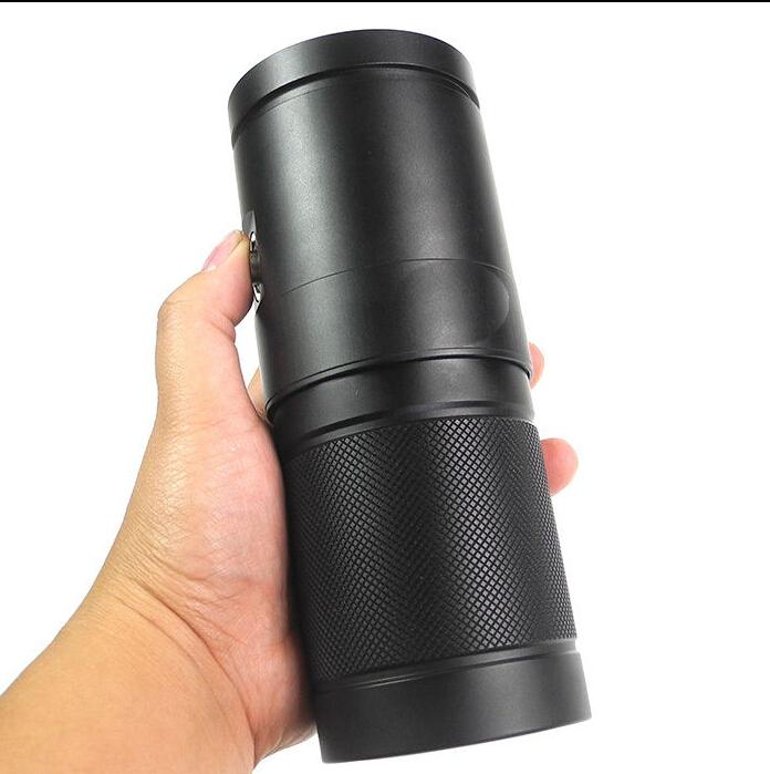 4000-lm-diving-flashlight