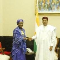 Lutte contre la pauvreté: La Ministre ivoirienne Mariatou Koné échange avec le Président du Niger Mahamadou Issoufou. LEDEBATIVOIRIEN.NET