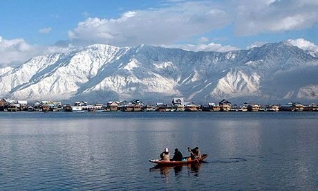 Lake in Srinagar - Article from guardian.co.uk