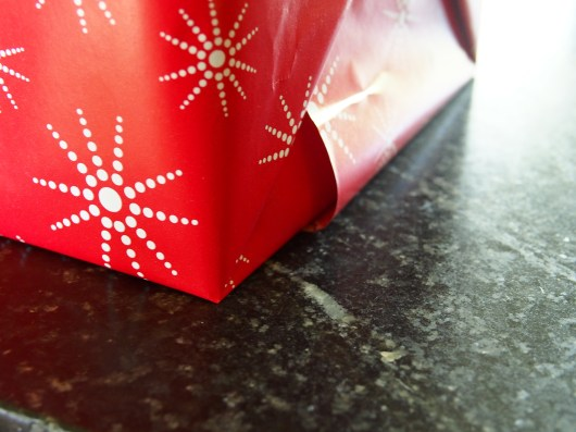 """The corner of the perfect """"easy to wrap"""" cube"""