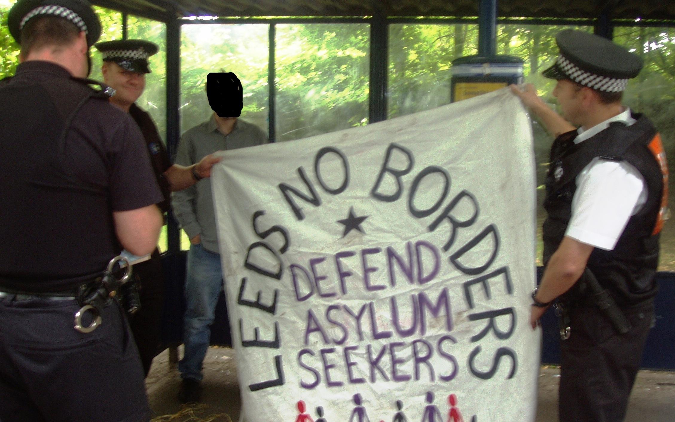 police-no-borders1