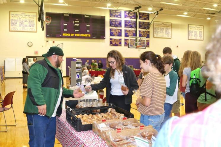 Leland Farmers Market High school