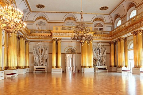 armorial-hall-of-the-winter-palace-in-st-petersburg