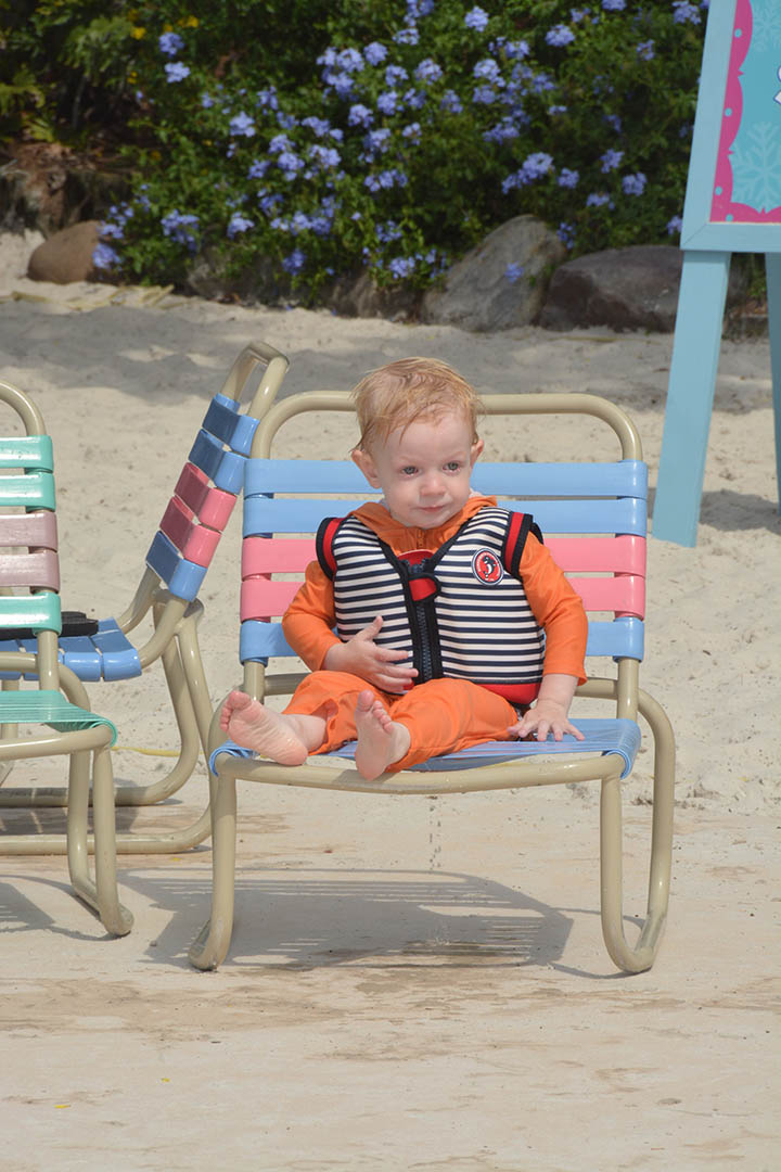 konfidence_toddler_swimming_blizzard_beach