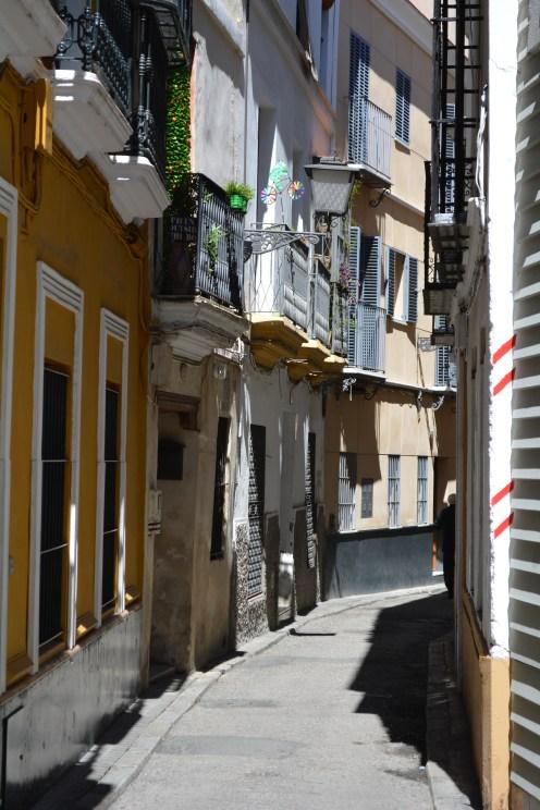 Small and narrow streets of Sevilla