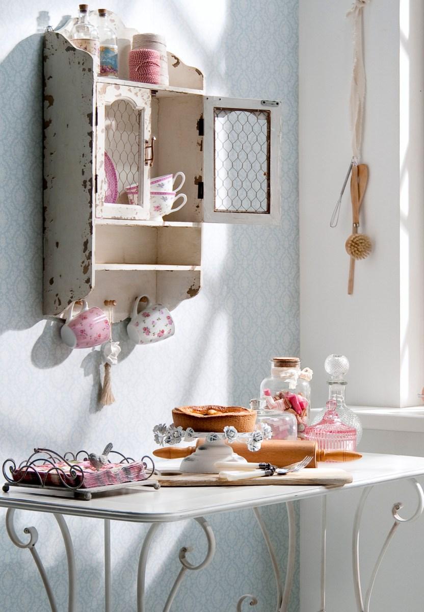 Romantisch wonen meubels en accessoires in brocante stijl