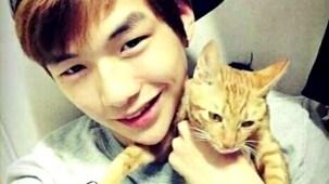 PRODUCE 101 _ Kang Daniel and his cats.mp4_000031664