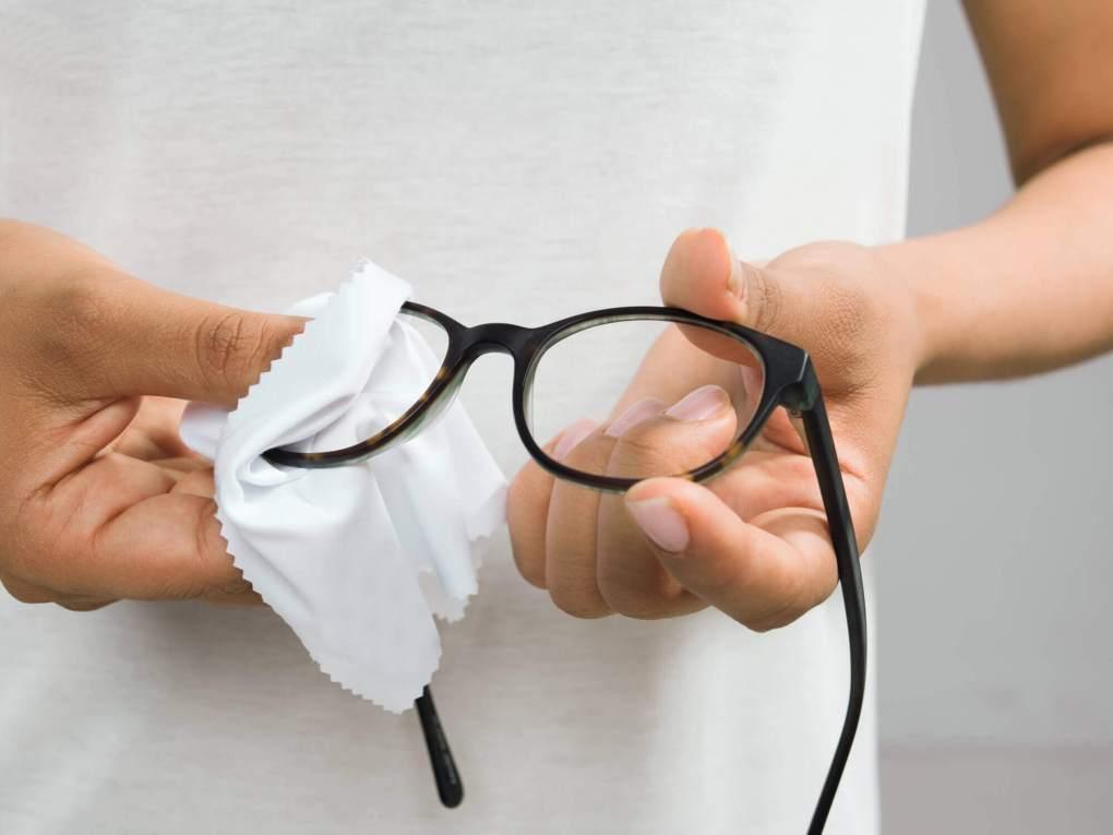 Je bril schoonmaken – de do's and don'ts