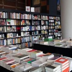 stedelijk museum boekwinkel walter koenig amsterdam https://www.stedelijk.nl/nl/bezoeken/museumshop