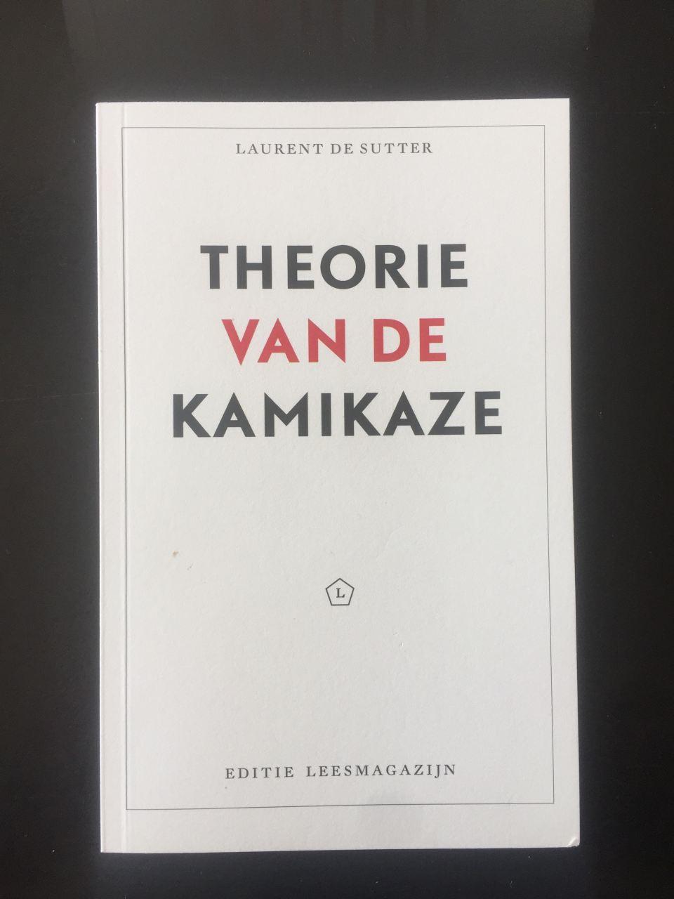 Laurent de Sutter, Kamikaze, voorkant