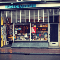 boekwinkel zwart op wit amsterdam https://zwartopwitboekhandel.nl/