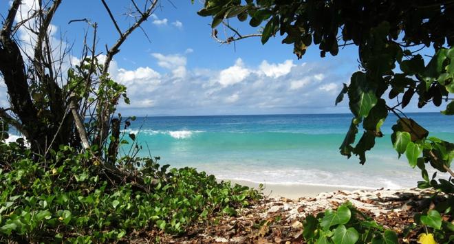 seychellen-mahe-traumstrand