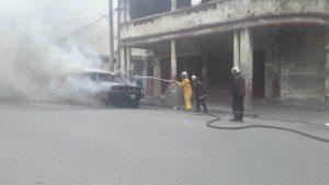 """Port-au-Prince : Incendie d'un véhicule immatriculé """"Service de l'État à la rue Pavée"""