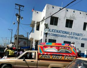 Haïti-Insécurité : Impuissant, Léon Charles invite la population à se révolter contre l'exaction des bandits
