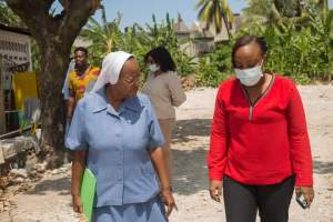 Haïti-Séisme/Éducation : La Coordonnatrice de l'action gouvernementale a visité le Sud avant la rentrée des classes le 4 Octobre