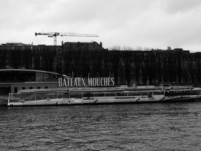 Les célèbres Bateaux-Mouches sont cloués aux quais au moins jusqu'au 31 janvier 2021 inclus. L'une des attractions touristiques les plus connues de la ville de Paris se retrouve donc inutilisable pour le moment. Photo : Antoine Allart
