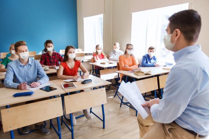Depuis Septembre, les lycées demeurent ouverts (Photo : Shutterstock)