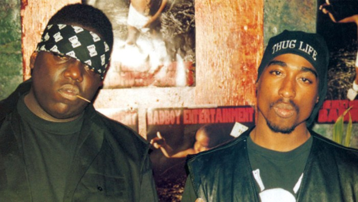 Légende : Biggie et Tupac, les deux rappeurs rivaux mais à la fin tout aussi tragique. Photo: Mary Evans/FILMFOUR/LAFAYETTE FILMS/Ronald Grant/Everett Collection