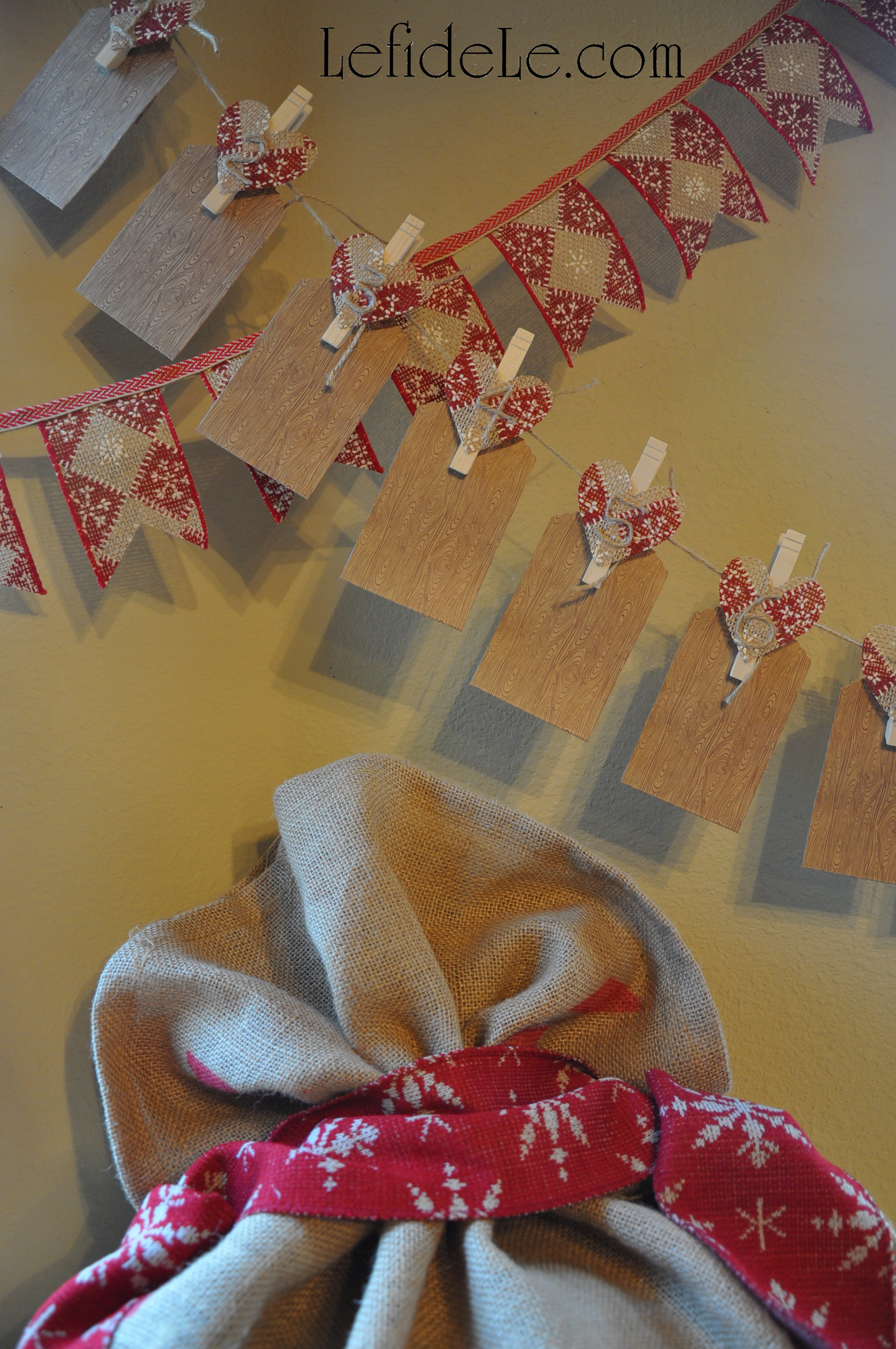 Arts crafts le fidele designs lefidele leigh to make a simple yet adorable christmas banner use a wired ribbon like patterned burlap and a thinner flat woven ribbon cut the woven ribbon as long as solutioingenieria Images