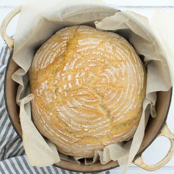 Easy White Loaf Pan 2020 © Annabelle Randles The Flexitarian Le Flexitarien