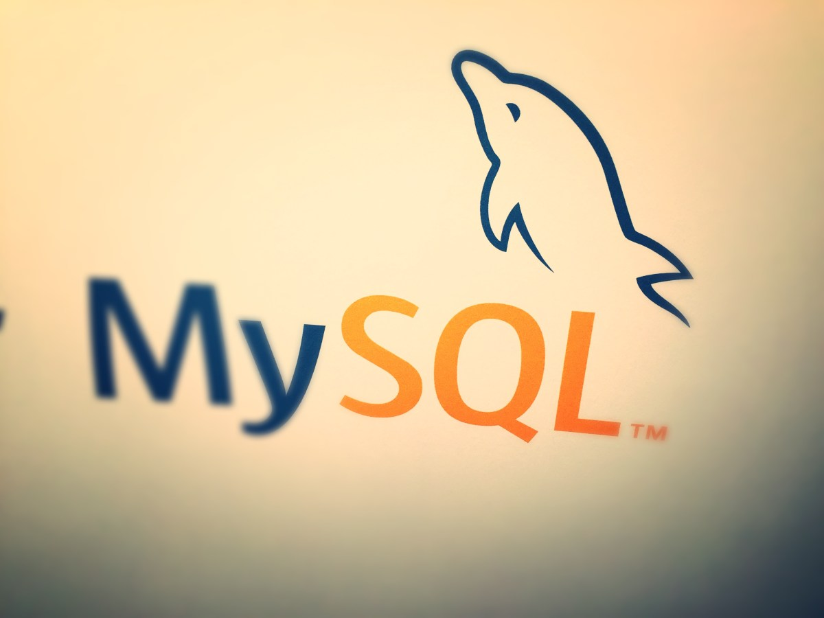MySQL Group Replication and table design