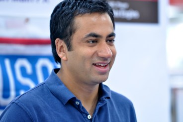 Kal Penn and Chad Lewis visit Yongsan - photo by U.S. Army Garrison Yongsan Public Affairs