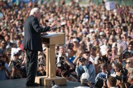Sanders crowd
