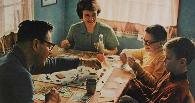 1950s-middle-class-family-800x424