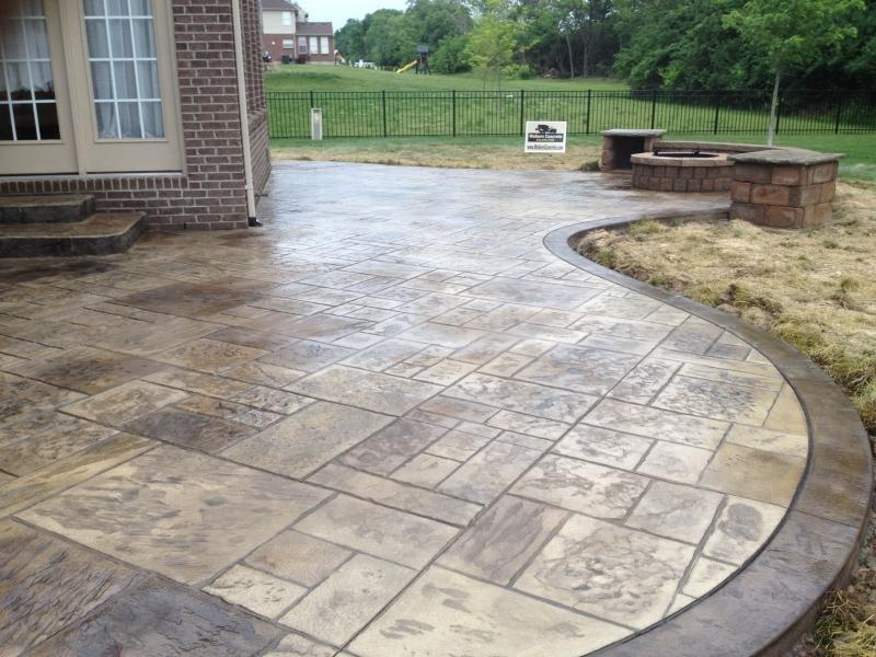 backyard-stamped-concrete-patio