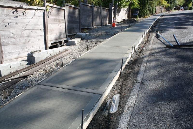 concrete-sidewalk-installation