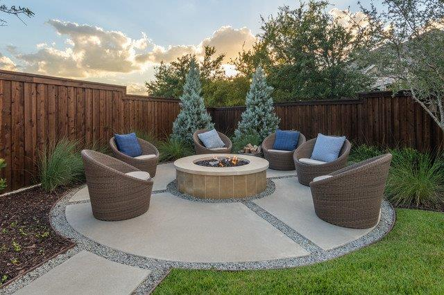 concrete-patio-with-firepit
